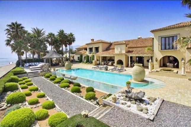 Thumbnail Villa for sale in Los Monteros, Málaga, Spain