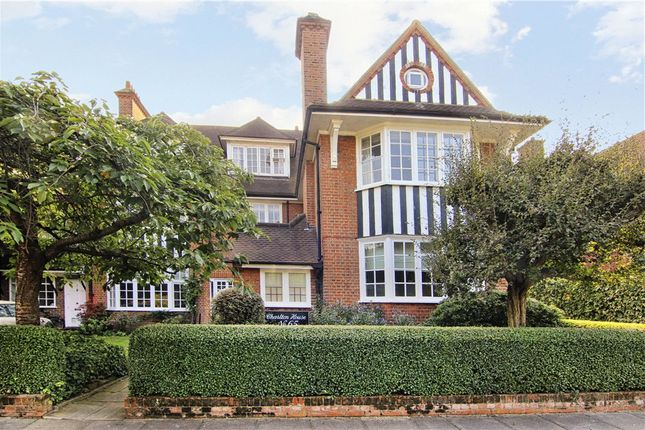 Thumbnail Flat to rent in Murray Road, Wimbledon Village