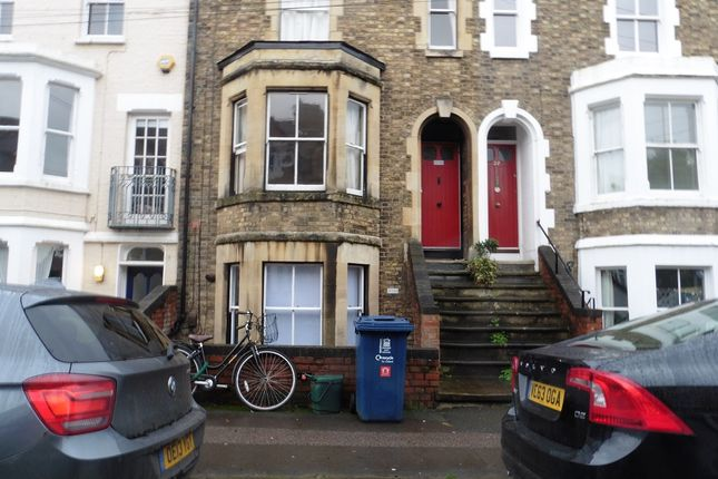 2 bed flat to rent in Western Road, Oxford OX1