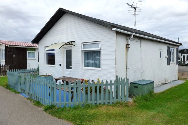 Thumbnail Mobile Park Home For Sale In 127 Second Avenue South Shore Holiday Village