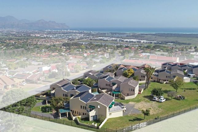 Thumbnail Detached house for sale in Heldervue, Somerset West, Cape Town, Western Cape, South Africa