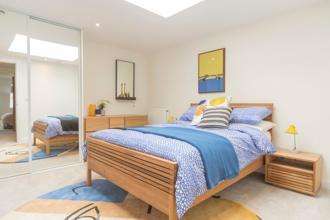 Thumbnail Flat for sale in 66 Dalston Lane, London