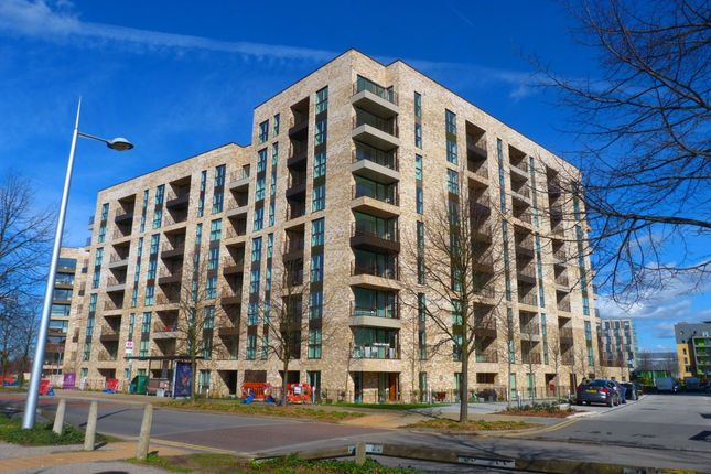 Thumbnail Flat to rent in Abbotsford Court