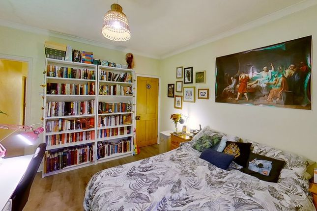 Thumbnail Semi-detached house to rent in Guildford Park Road, Guildford