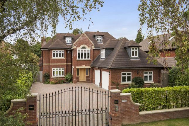 6 bed detached house for sale in Mizen Way, Cobham