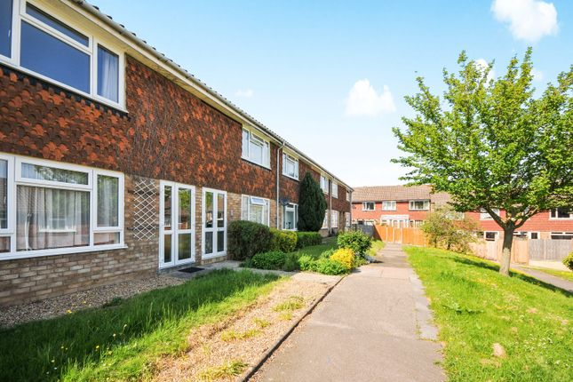 Thumbnail Terraced house to rent in Ryarsh Crescent, Farnborough, Orpington