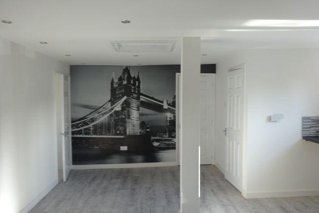 Thumbnail Flat to rent in Drake Street, Rochdale