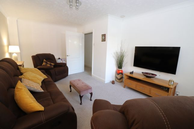 North Road, Torpoint PL11