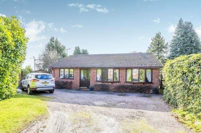 Thumbnail Bungalow for sale in Liverpool Road, Newcastle Under Lyme, Staffs