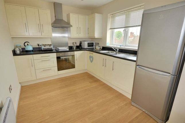 Thumbnail Flat to rent in Wood Lane, Castleford