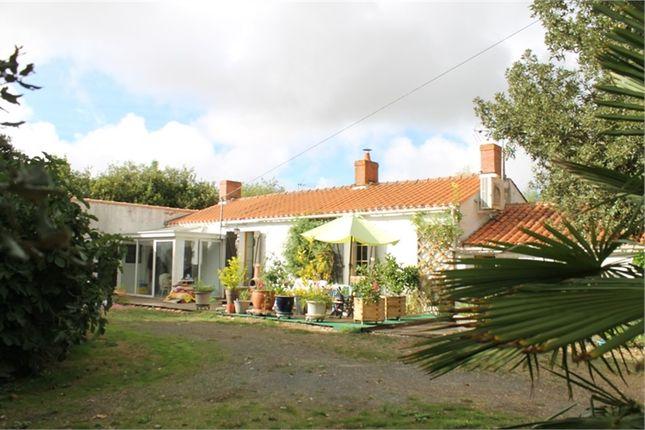 Thumbnail Property for sale in Pays De La Loire, Vendée, Soullans