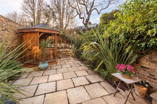 Garden of Victoria Grove, Kensington, London W8