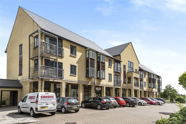 Flat for sale in Thornhill Close, Carterton, Oxfordshire