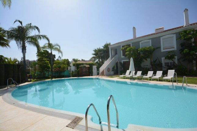 2 bed apartment for sale in Atalaya, Malaga, Spain
