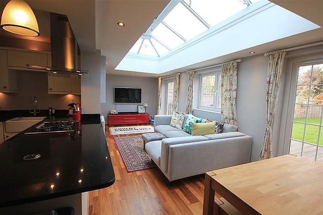 Thumbnail Semi-detached house for sale in Chiltern Crescent, Earley, Reading