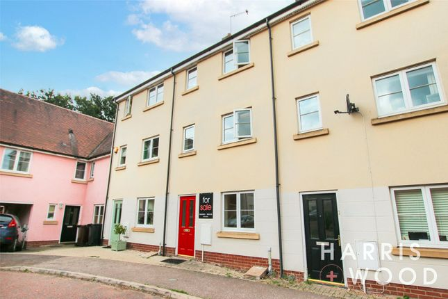 Thumbnail Terraced house to rent in Dickenson Road, Colchester