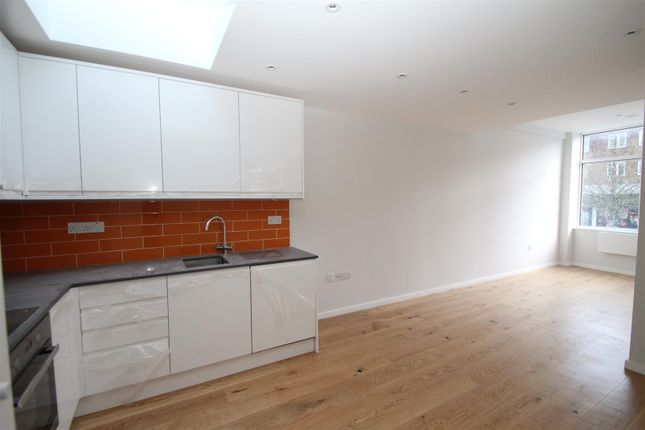 1 bed flat to rent in The Marlowes Centre, Marlowes, Hemel Hempstead