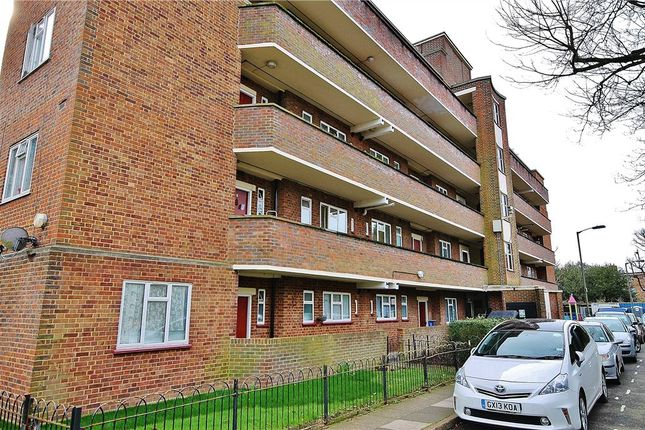 Thumbnail Flat for sale in Cromwell House, Aubyn Square, London