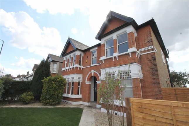 Thumbnail Flat to rent in Westmount Road, Eltham, London
