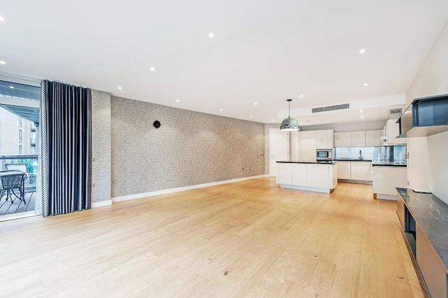 Thumbnail Flat to rent in Hepworth Court, Grosvenor Waterside, Gatliff Road