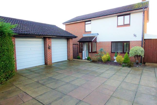 4 bed detached house to rent in Heath Lane, Great Boughton, Chester CH3