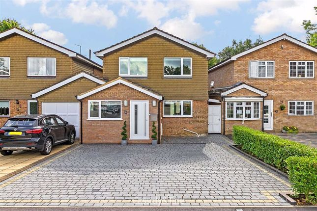 Thumbnail Detached house for sale in Pine Grove, St. Albans, Hertfordshire