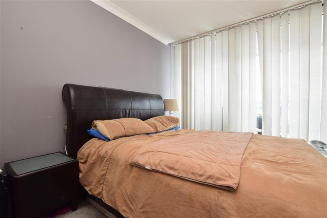 Thumbnail Flat for sale in High Street, Purley, Surrey