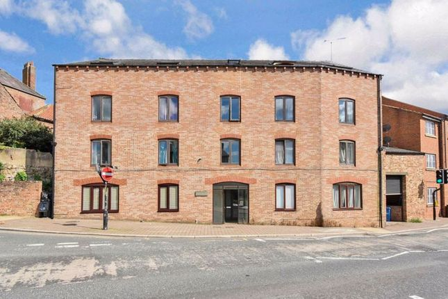 2 bed flat for sale in Duck Hill, Ripon HG4