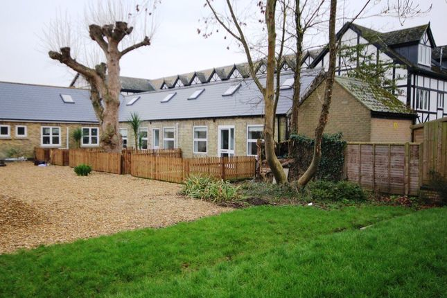 Thumbnail Cottage to rent in The Beeches, Godmanchester, Cambs