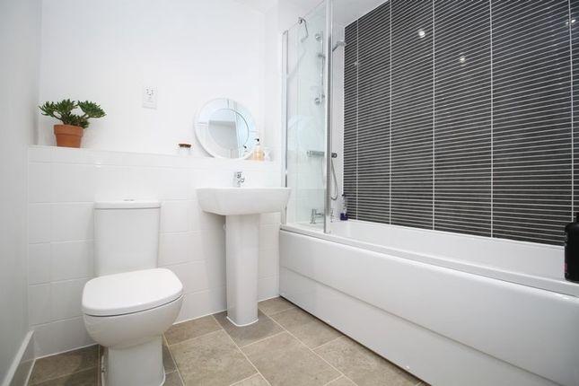 Family Bathroom of Kingsman Drive, Botley, Southampton SO32