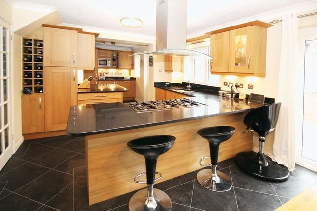 3 bed detached house for sale in Graveney Road, Maidenbower, Crawley