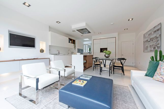 Thumbnail Terraced house for sale in Hosack Road, London