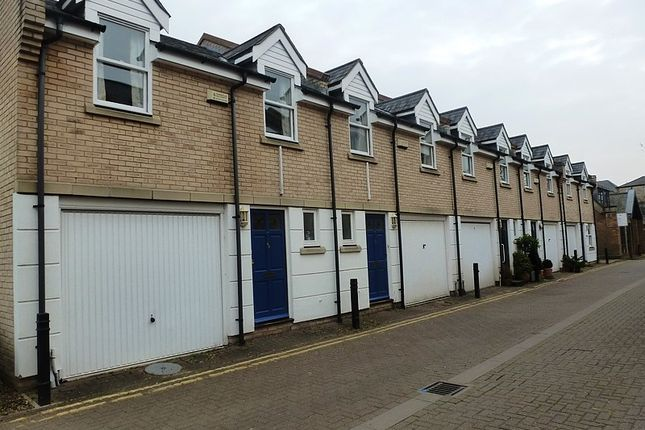 Town house to rent in Cambridge Place, Cambridge