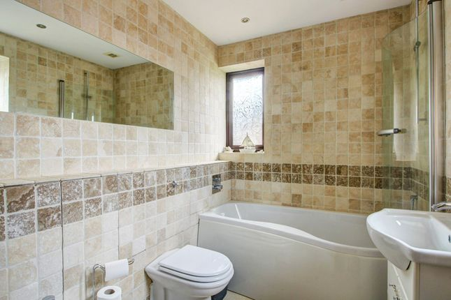 Family Bathroom of Wicken Road, Deanshanger, Milton Keynes MK19