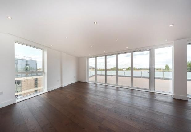 Thumbnail Flat for sale in Lavender House, Emerald Gardens, Kew
