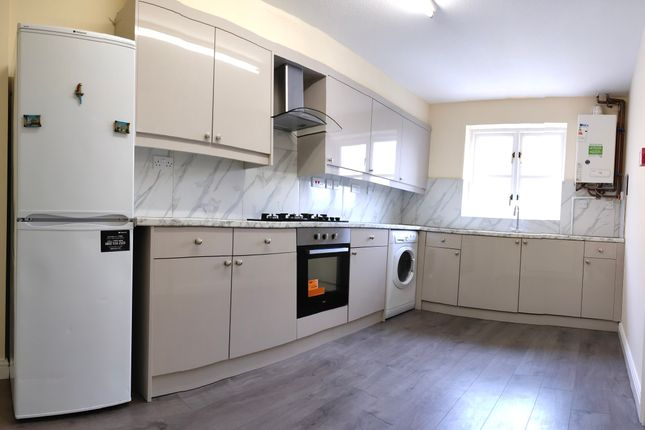 Thumbnail Town house to rent in Grenville Place, Edgware / Mill Hill, London