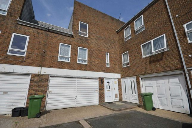 Thumbnail Detached house to rent in St. Edmunds Close, Erith