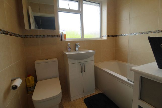 Bathroom of Llewellin Close, Poole BH16