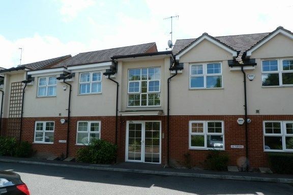 Thumbnail Flat for sale in Walnut Grove, Wooburn Green, High Wycombe
