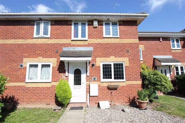 2 bed property to rent in Lennox Drive, Wickford, Essex SS12