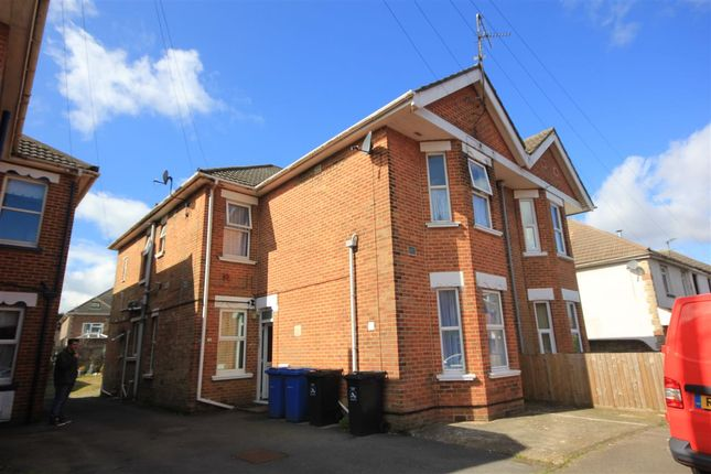 Thumbnail Studio to rent in Hermitage Road, Parkstone, Poole