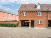 3 bed property to rent in Charles Pym Road, Aylesbury