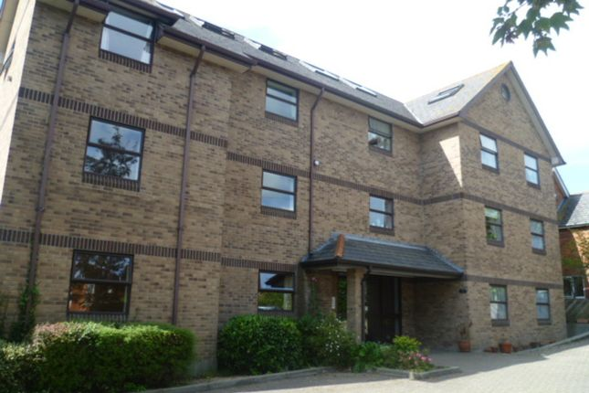 Thumbnail Flat to rent in Spa Road, Weymouth