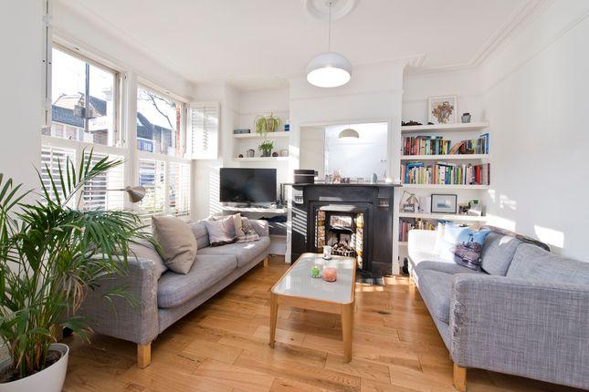Thumbnail Flat for sale in Thames Road, London