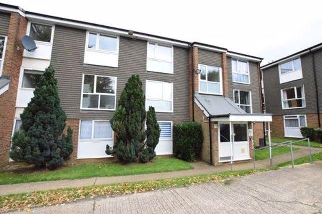 1 bed flat for sale in Cuffley Court, Hemel Hempstead HP2