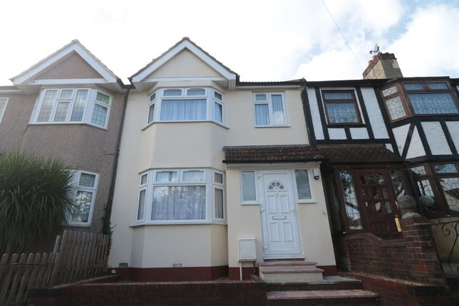 Thumbnail Terraced house to rent in Sandrycroft, Plumstead