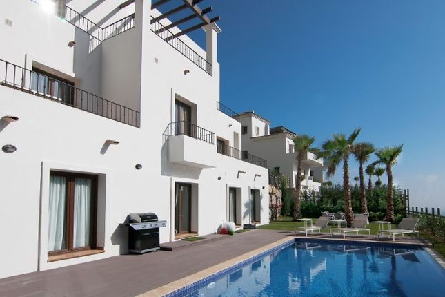 3 bed villa for sale in Benahavis, Spain