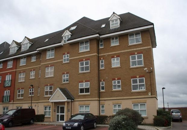 Thumbnail Flat for sale in Harrisons Wharf, Purfleet, Essex