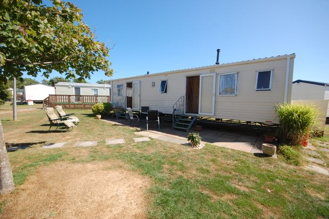 Mobile/park home for sale in Swallow Way, Green Lawns, Selsey, Chichester