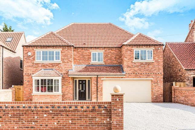 Thumbnail Detached house for sale in Main Street, Hatfield Woodhouse, Doncaster